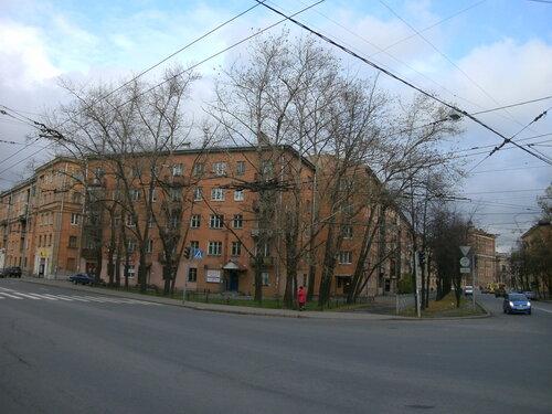 ул. Полярников 21/ул. Седова 82