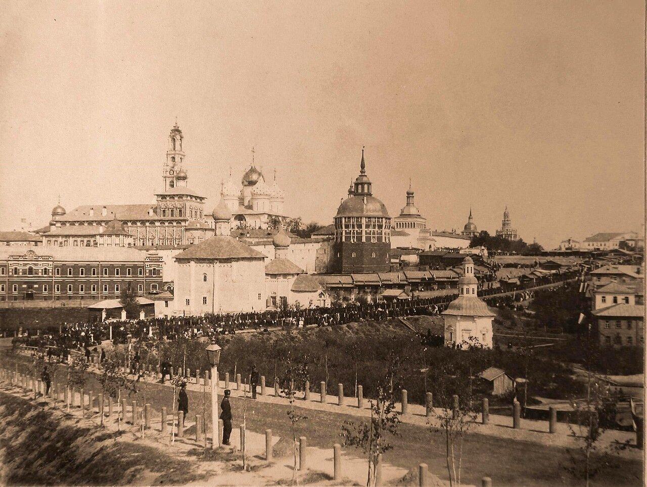 Вид на Троице-Сергиеву лавру с юга