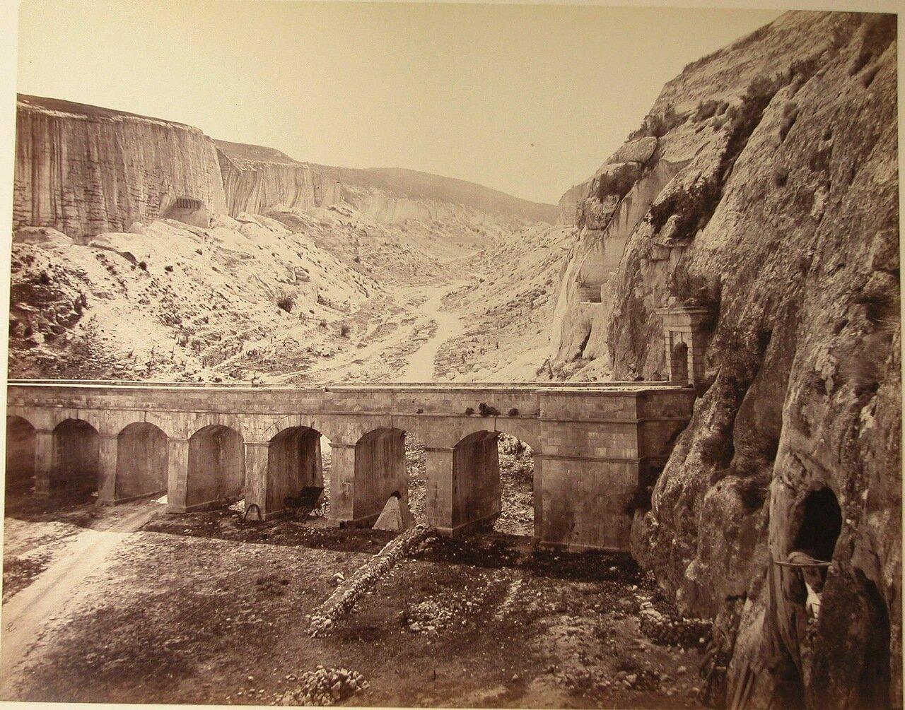 62. Инкерман. Мост в ущелье близ каменоломни