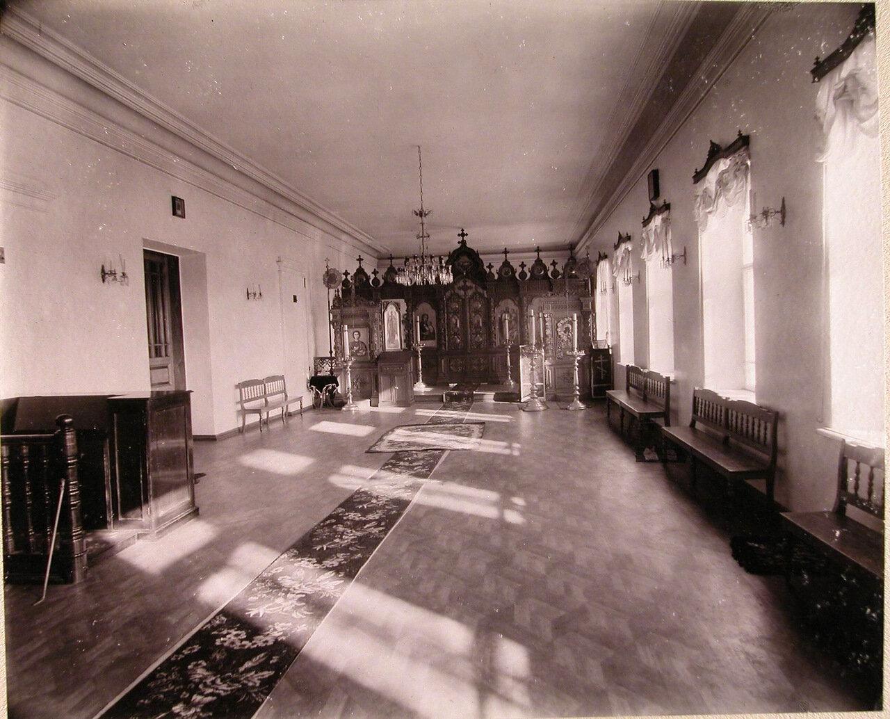 05. Внутренний вид церкви училища