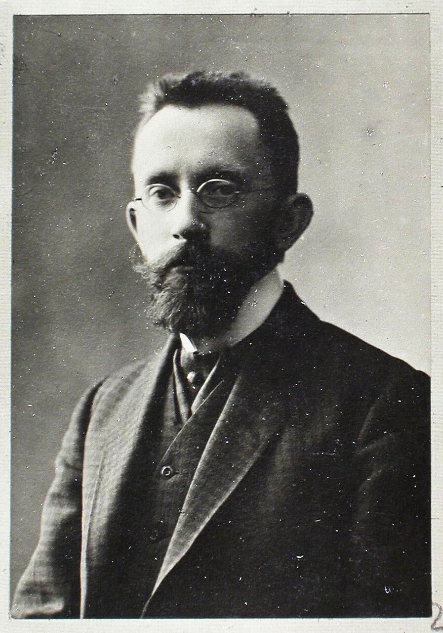 04. б. Ассистент Михаил Юлианович Пиотровский (8 декабря 1883 г. в Петербурге - 1950, Ленинград)