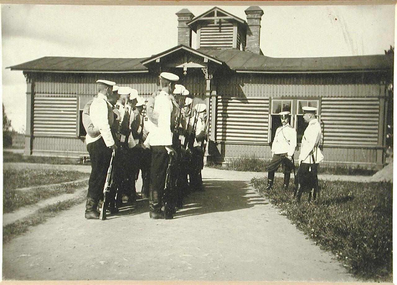 25. Группа воспитанников старшего возраста перед отправкой на сборы