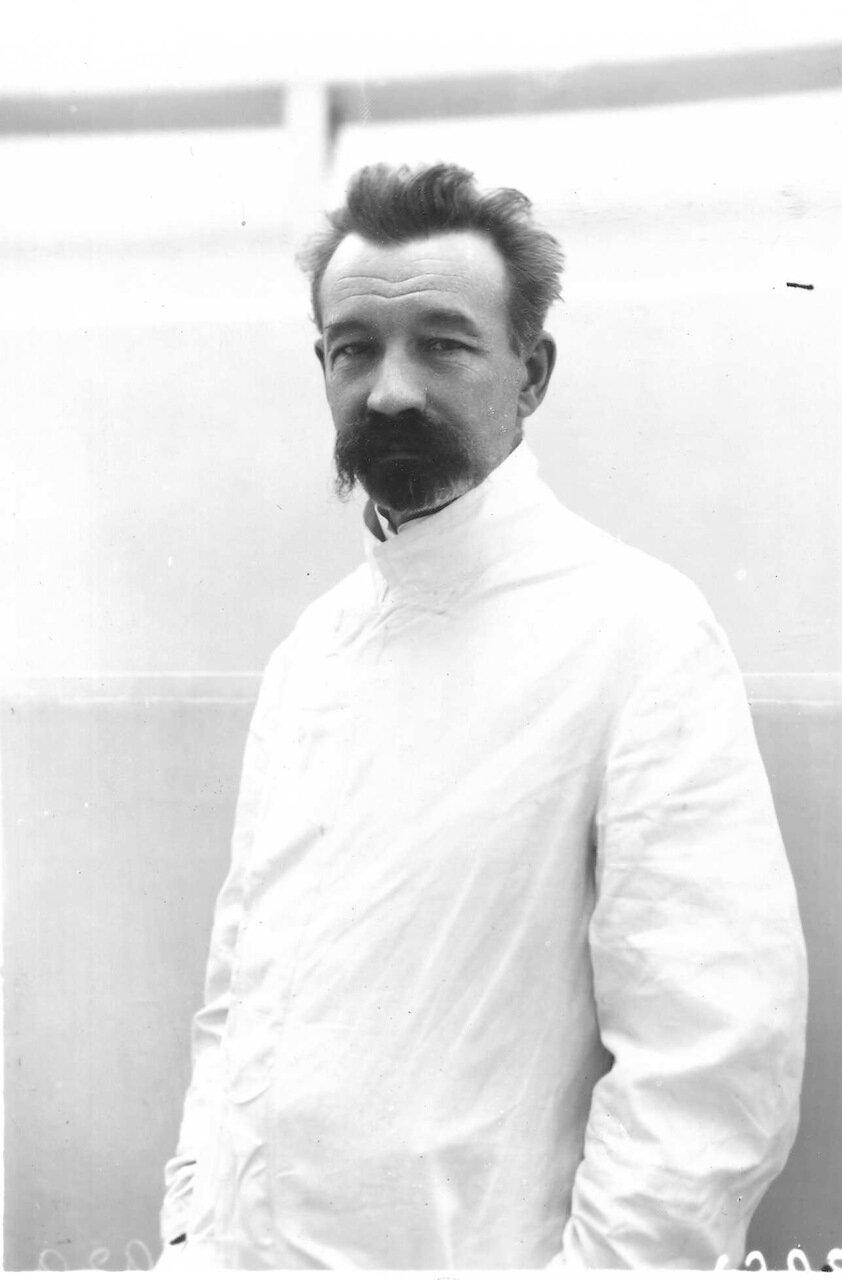 Пушинский Михаил Дмитриевич - профессор, заведующий кафедрой диагностики и частной патологии с терапией