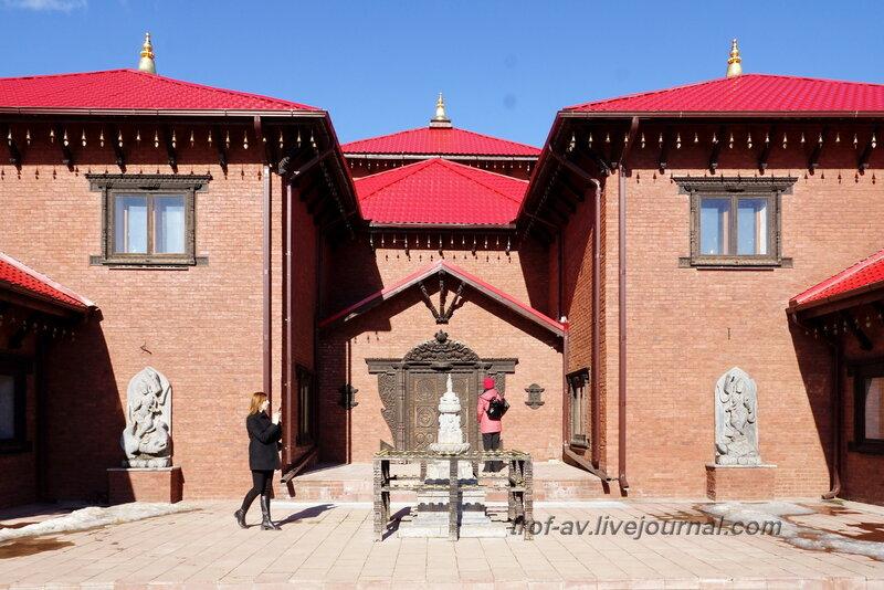 Непальский дом. Этномир, Калужская обл.