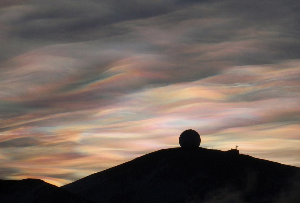 11. Северное сияние на антарктической станции Мак-Мердо. (Фото Deven Stross | National Science Found