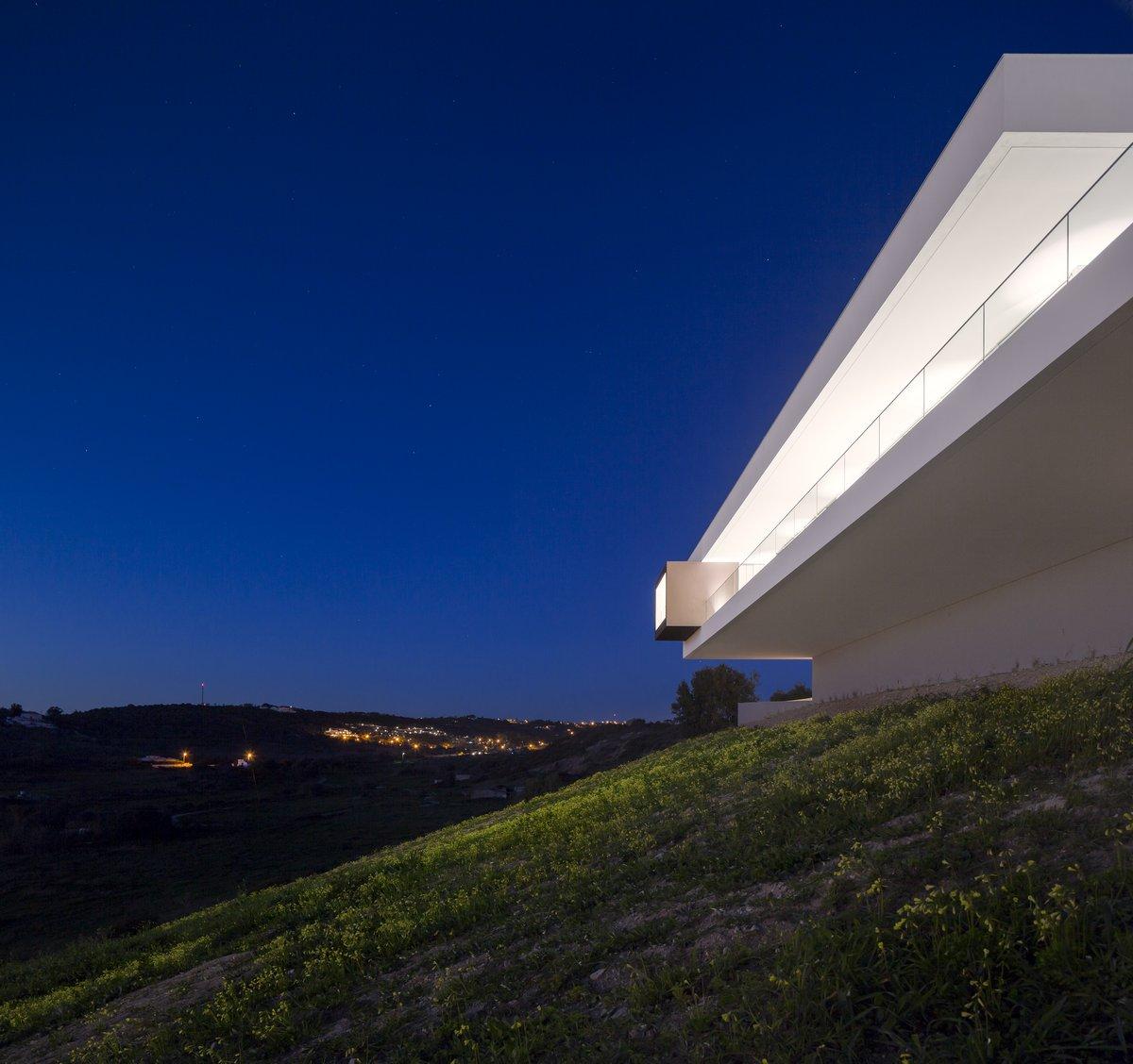 Марио Мартинс, вилла в Португалии, Вилла Эскарпа, Villa Escarpa, вилла в Прайя-да-Луз, вилла в Алгарви, интервью с Томом Корнуэллом