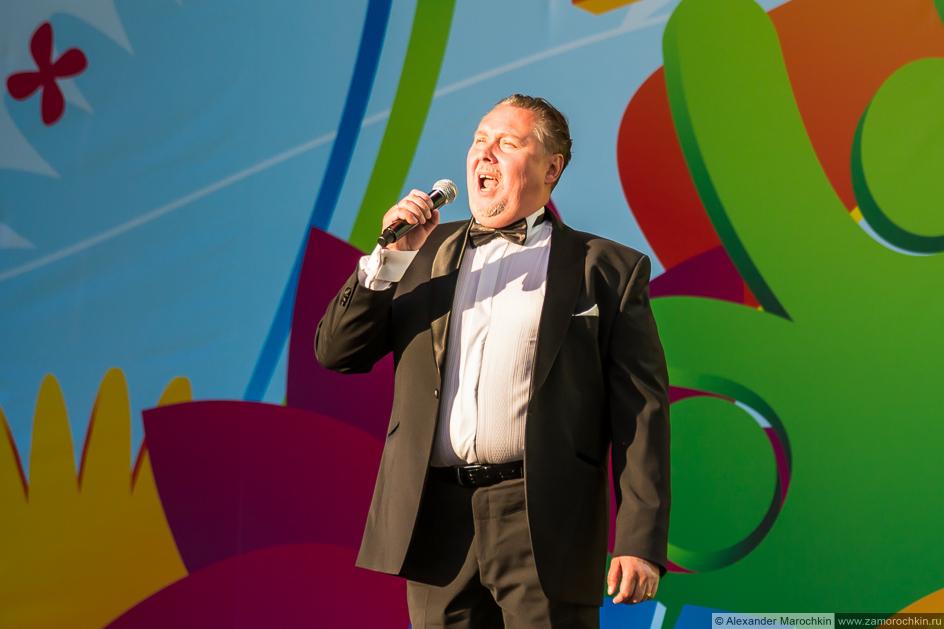 Народный артист Мордовии Сергей Семёнов на фестивале FIFA Fan Fest в Саранске
