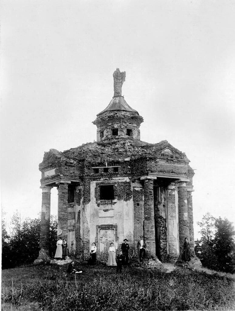 Заброшенный масонский храм в Винновской роще