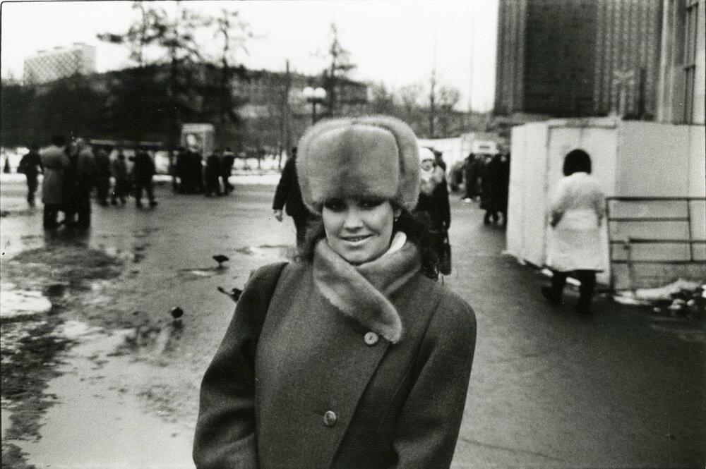 Молодая женщина в Москве. 1989.