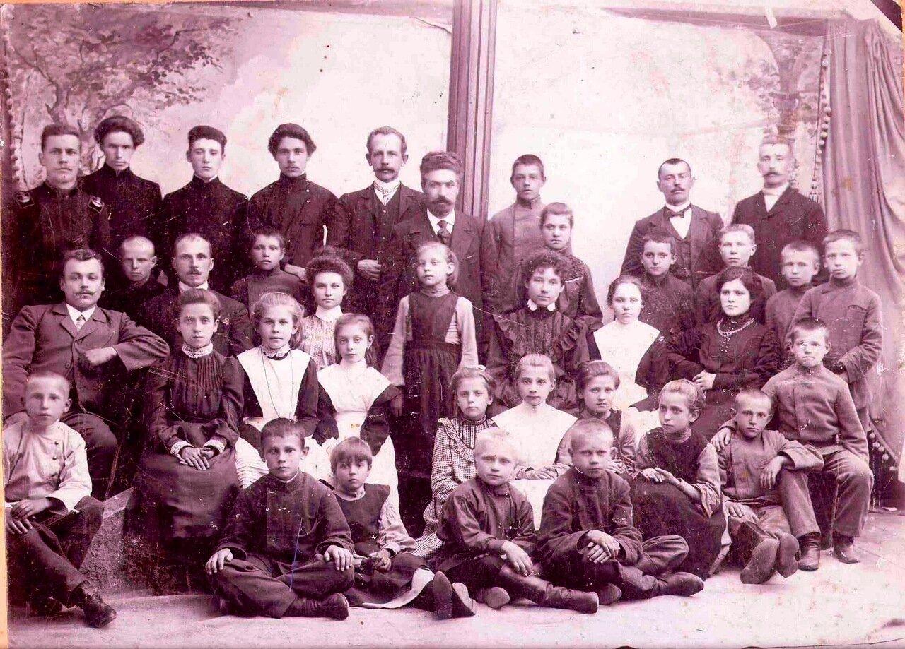 1905. Калужская гимназия, где училась О.А. Шевырева