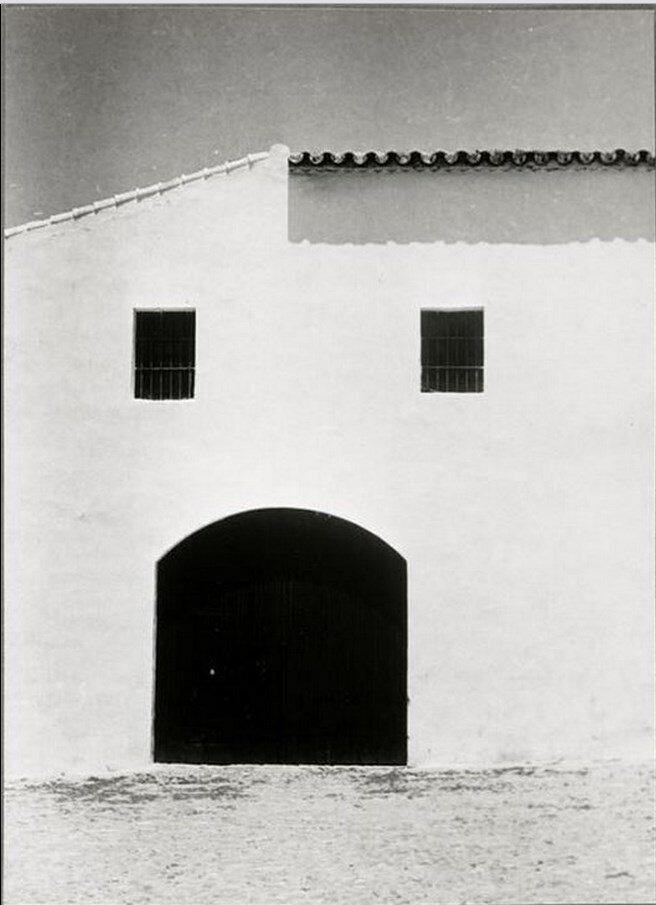 1953. Лицо (белый фасад дома), Херес