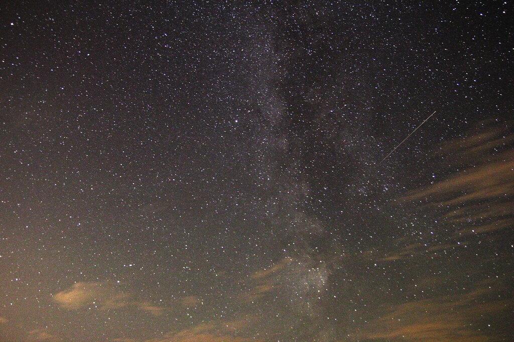 Млечный путь, метеор