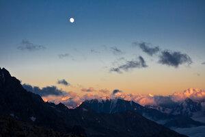 Кавказ (20100822 - 19.56.49).jpg