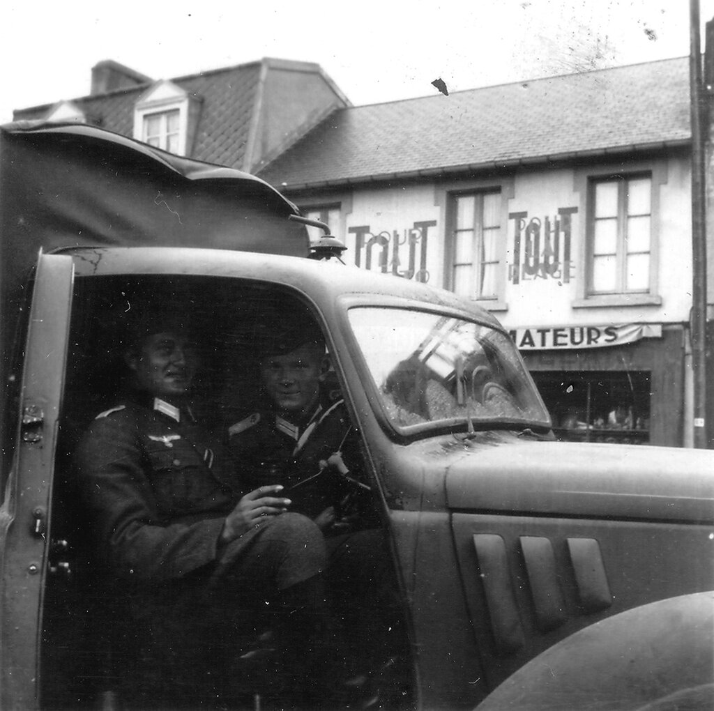 1941-1944 193