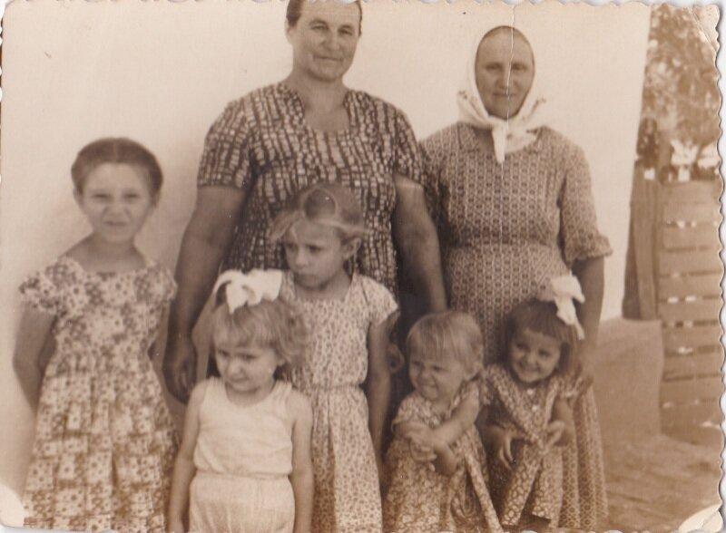 Внучки. 1963 год.