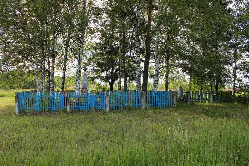 Мемориальный комплекс у платформы 168 км, перегон Осуга - Сычёвка, Московская ЖД