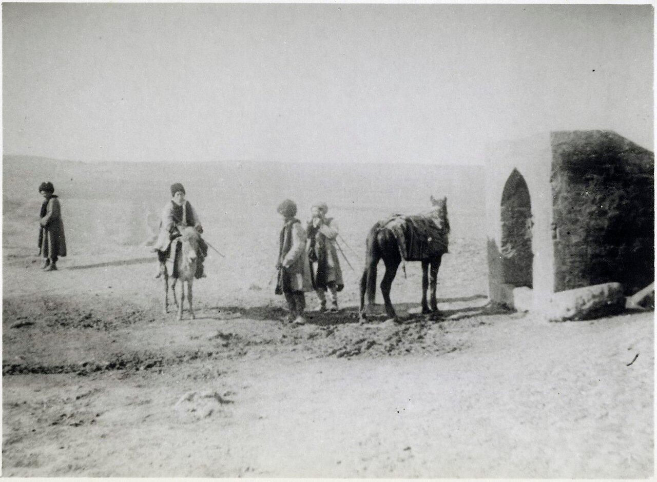 Привал в степи возле Баку