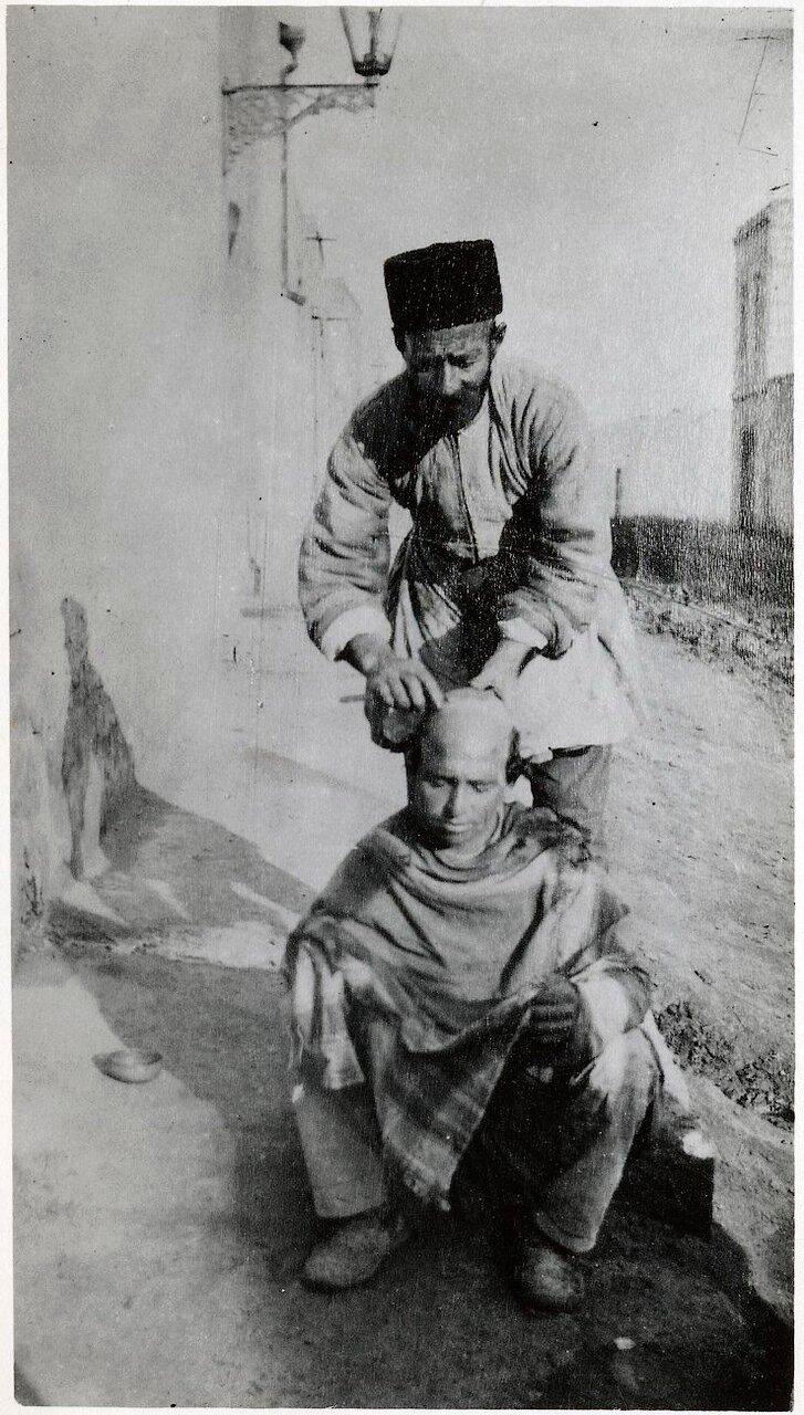 Уличная парикмахерская в Баку