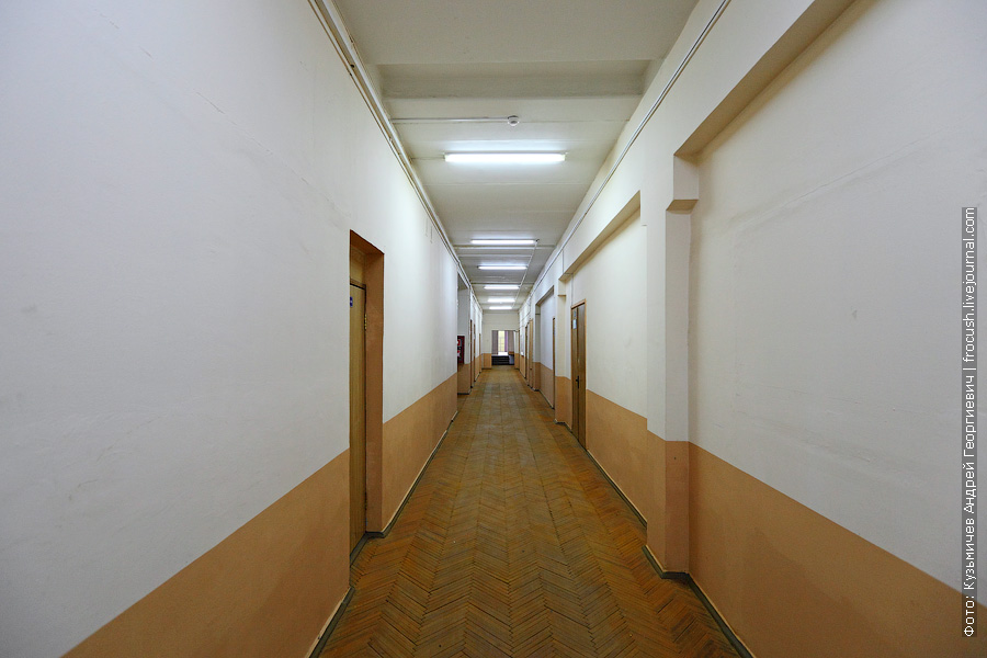 Коридоры учебных корпусов МГТУ ГА на Пулковской
