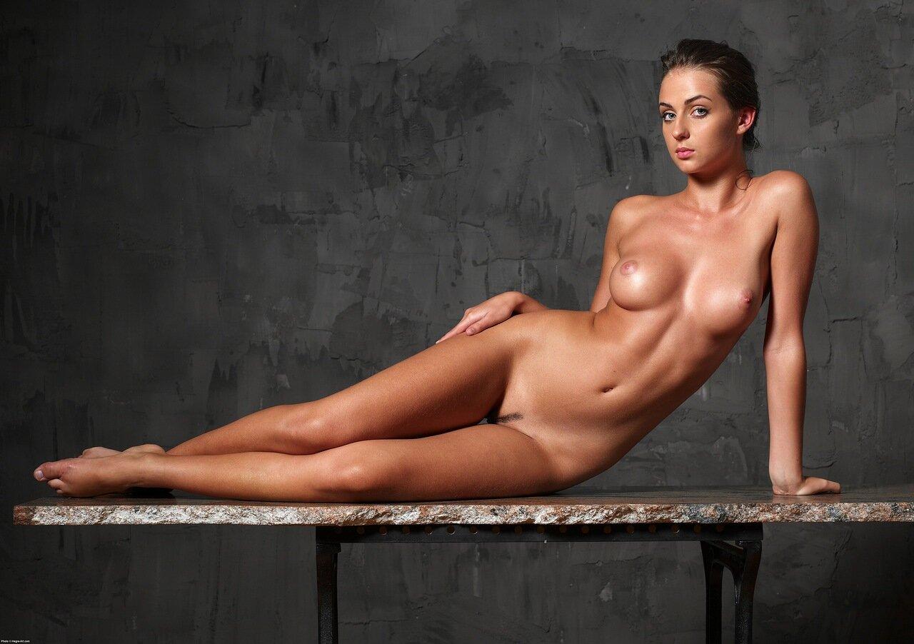 Фото голые молодые русские женщины знаменитости, парни низкие секс онлайн