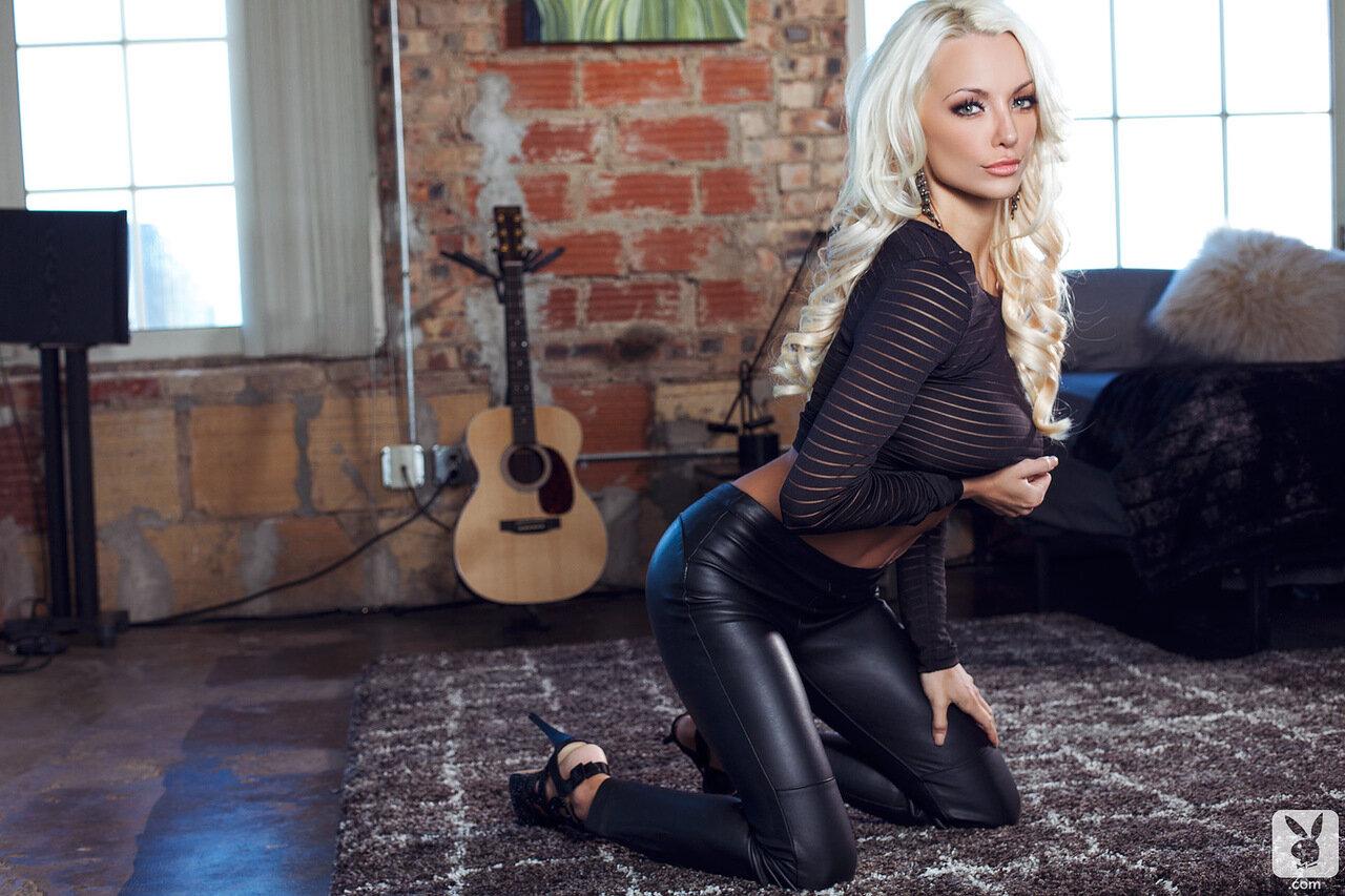 Американская модель Lindsey Pelas (Линдси Пелас)