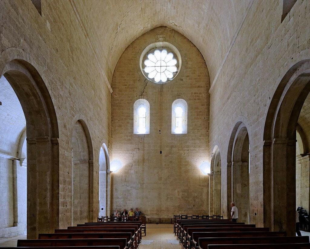 Abbaye_Notre-Dame_de_Sénanque_05.jpg