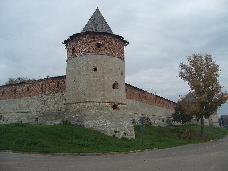 Тайницкая башня Зарайского кремля