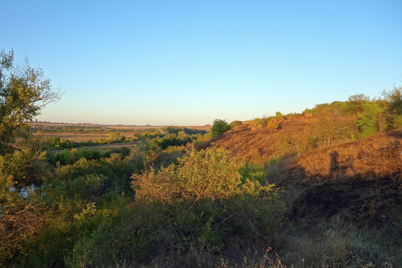 в нижнем течении реки Калитва