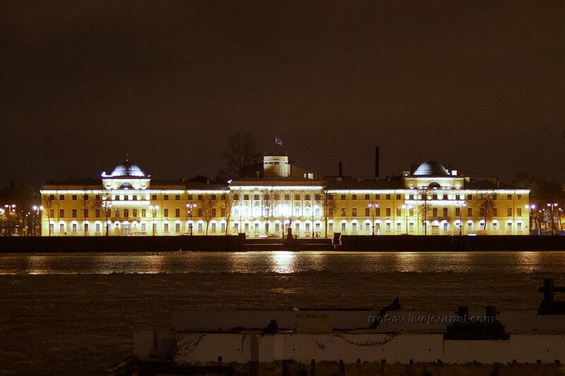 Морской кадетский корпус зимней ночью, Санкт-Петербург