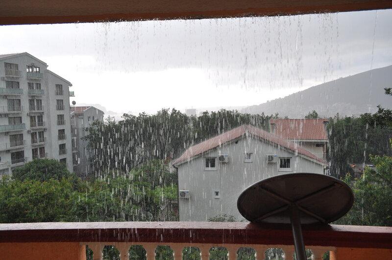 Дождь в Будве