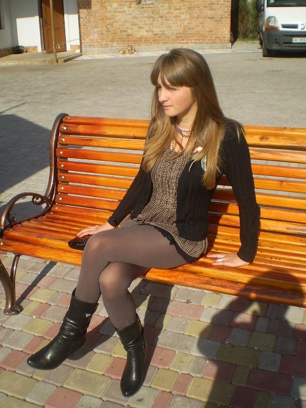 Любительские фотки девушек в юбках 25657 фотография