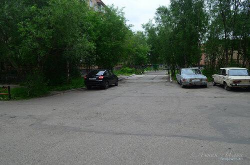 Фотография Инты №8079  Въезд на территорию Воркутинской 4 (детский сад
