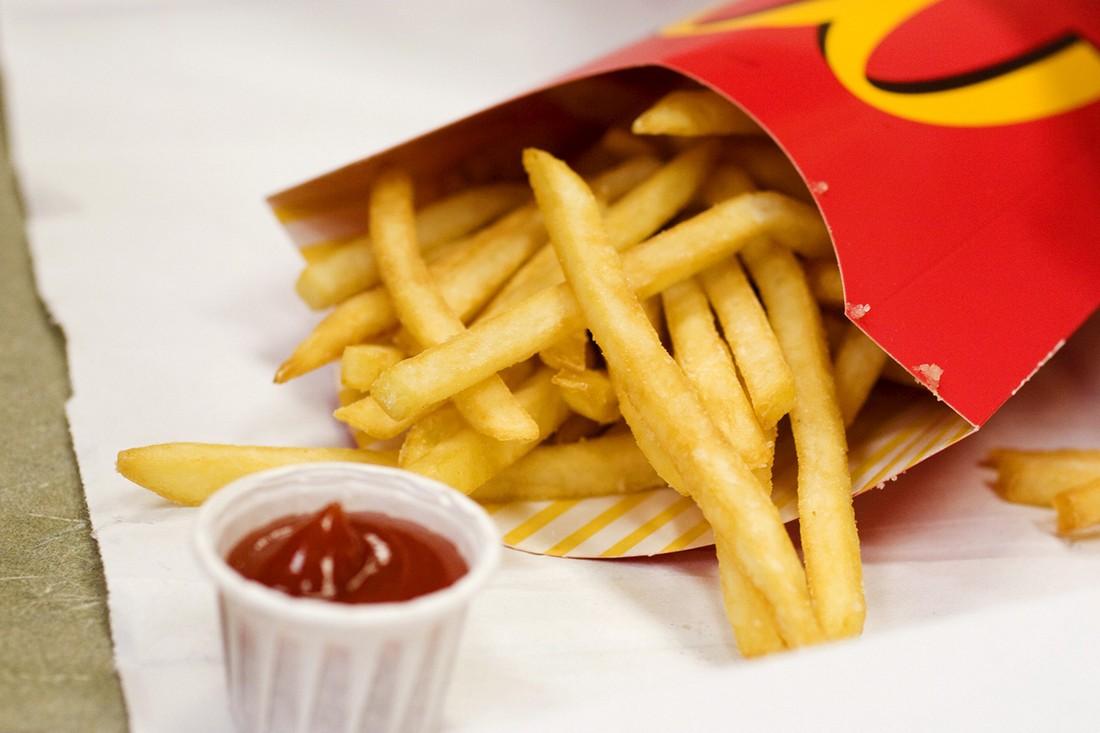 4. Ежедневно сеть McDonald's кормит 68 млн человек. Это больше, чем все население Великобритании. (R