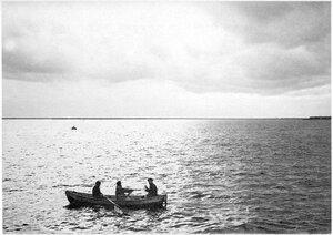 Таможенная лодка на Белом море. 1910-е гг.