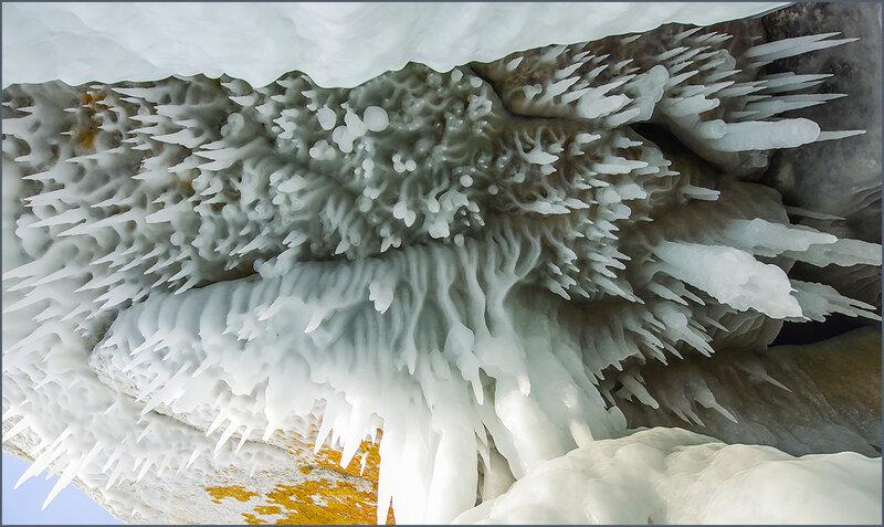 Рисует Байкал