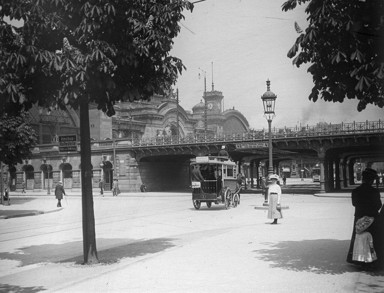 1907. Дрезден, возле главного железнодорожного вокзала