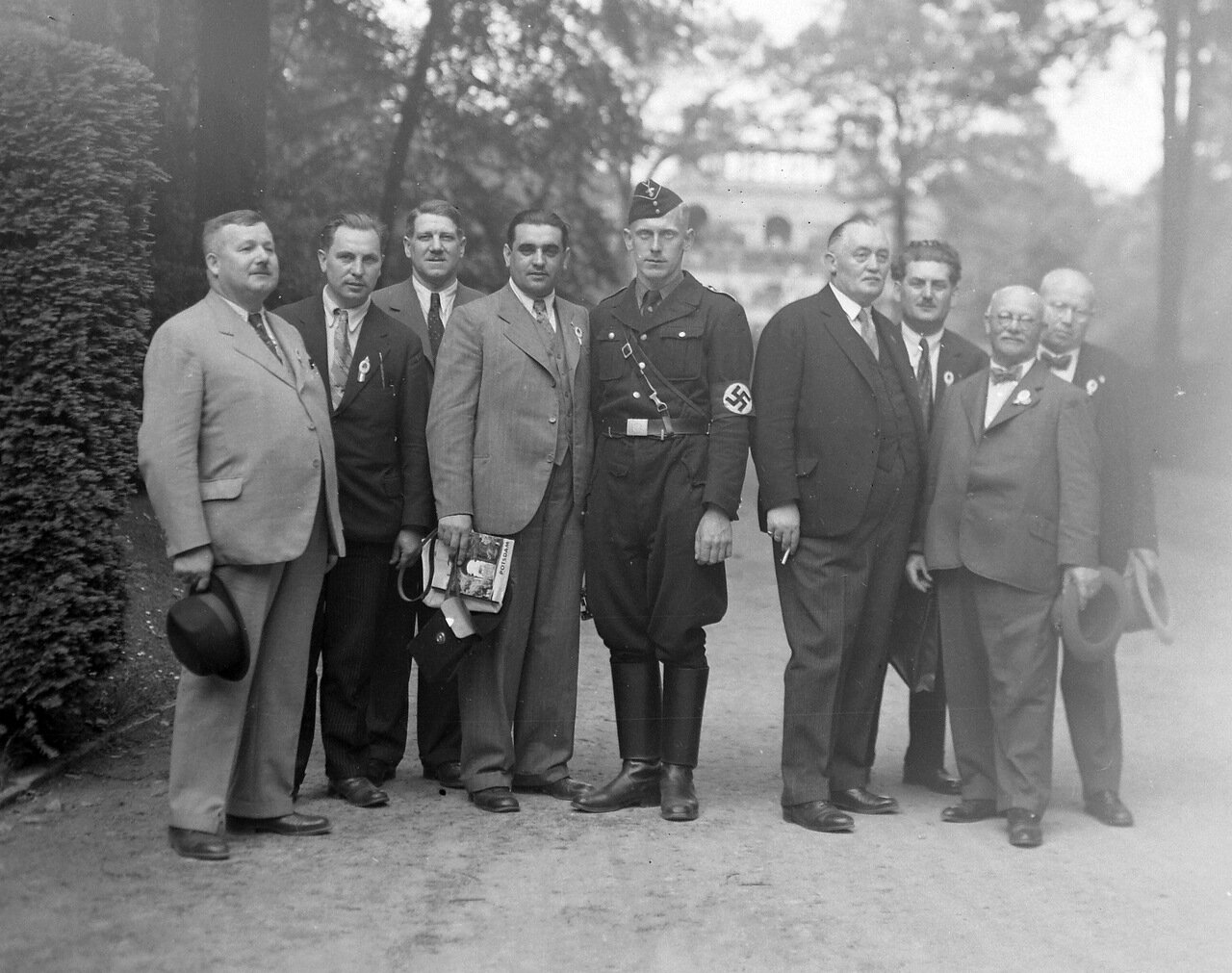1935. Потсдам, Замковый парк Сан-Суси на фоне Оранжерии