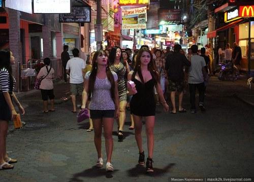 Улица красных фонарей в Паттайе