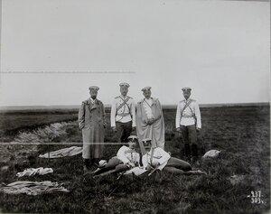 Группа офицеров полка по окончании маневров.