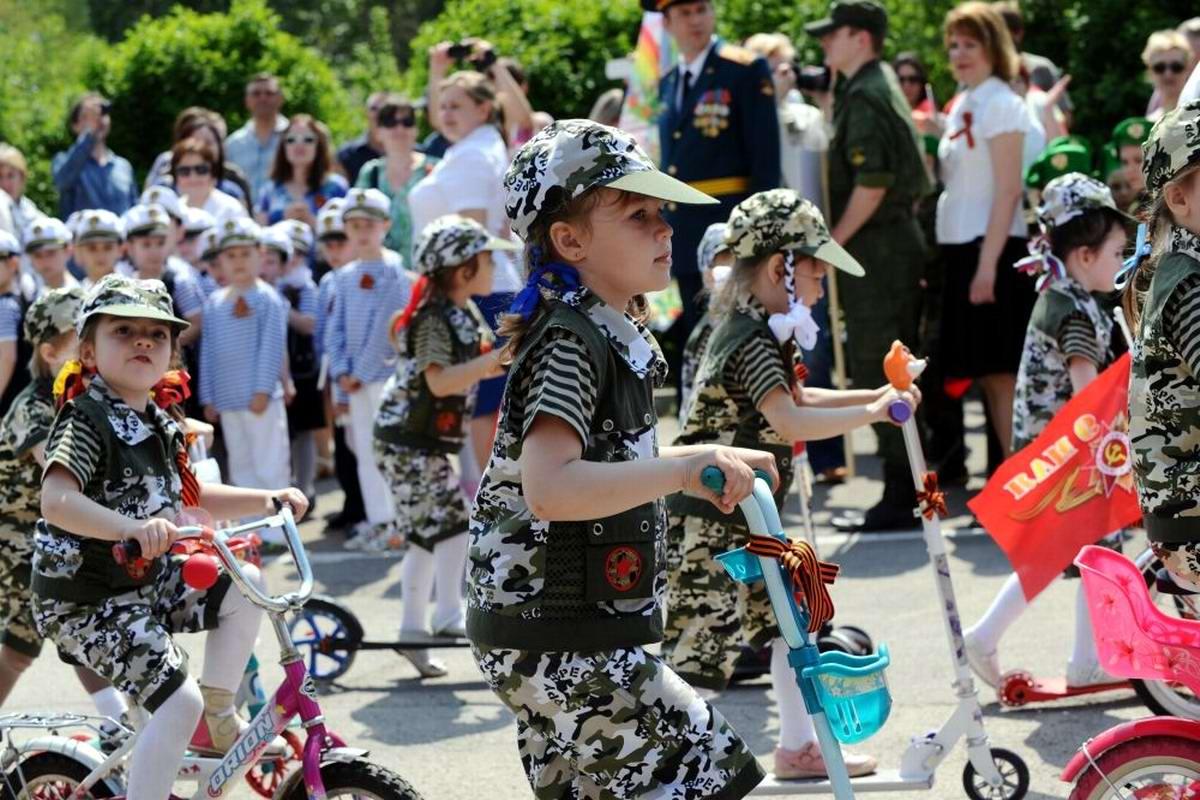 Между правдой и ложью: Про Парад детских войск в Ростове-на-Дону (12)