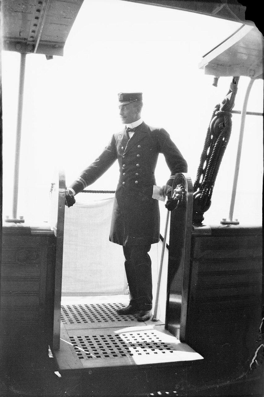 Офицер с корабля «Дрот»