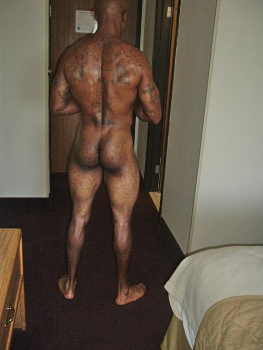 голый мужик в портаках