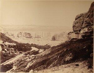 Вид на Успенское ущелье близ Бахчисарая.