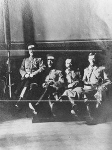 Дежурные офицеры  в казарме полка.