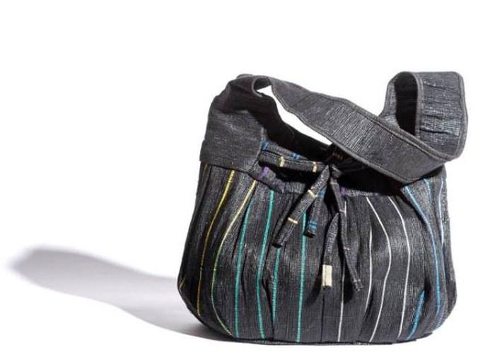 Модные сумки из использованных полиэтиленовых пакетов