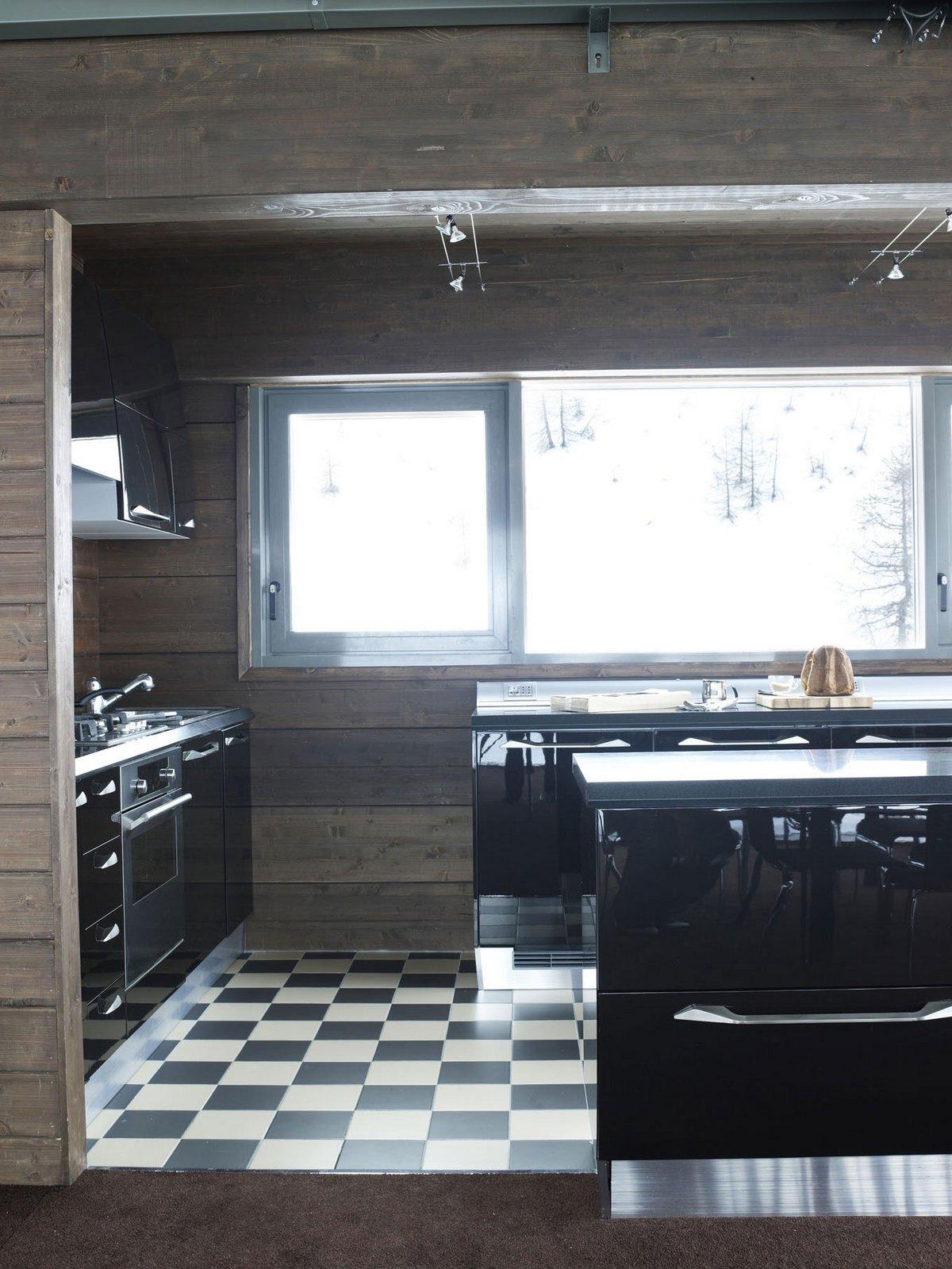 CON3STUDIO, проекты компании CON3STUDIO, Camelot-2, дома в регионе Пьемонт, недвижимость в провинции Турин, дом в горах, дом с видом на горы