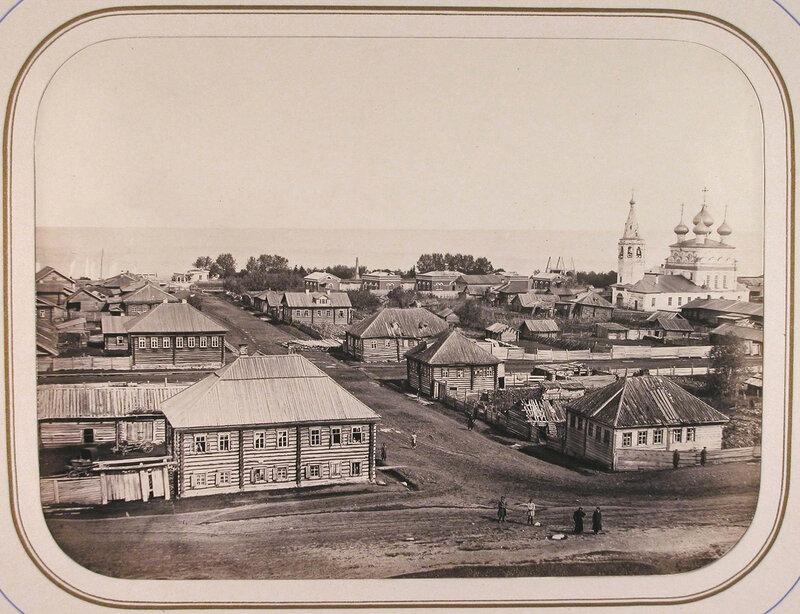 Вид с вала древнего укрепления на город; на втором плане - строения ведомства путей сообщения и Белое озеро. Белозерск