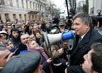 Система «Выборы» на Украине уничтожена, голоса будут считать вручную