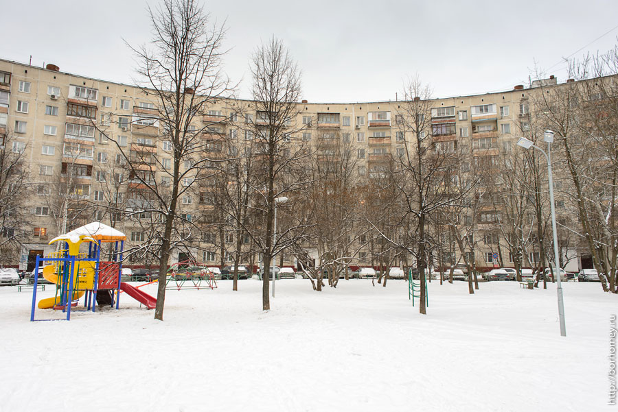 двор на довженко