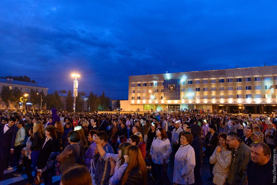 концерт на площади Ленина в Сарове